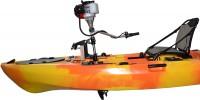 """קיאק פדלים Tide ממונע עם מנוע בנזין שתי פעימות 2.5 כ""""ס"""